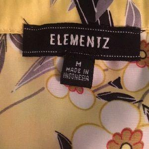 Tops - Yellow sleeveless blouse